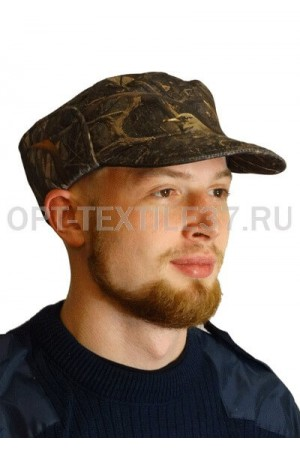 Камуфляжная кепка для охоты.