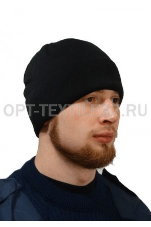 Чёрная вязаная шапка.